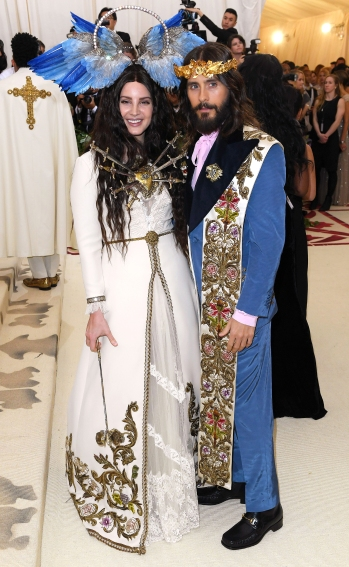 Mandatory Credit: Photo by David Fisher/REX/Shutterstock (9662983dv) Lana del Rey and Jared Leto The Metropolitan Museum of Art's Costume Institute Benefit celebrating the opening of Heavenly Bodies: Fashion and the Catholic Imagination, Arrivals, New York, USA - 07 May 2018