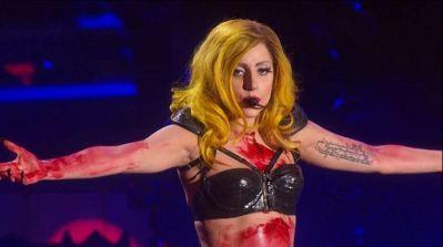 Lady-Gaga-Monster-Ball-Tour-Crucifixion-Pose